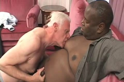 old man VS big black Bubba FaBuLoUsSsSs!!!!