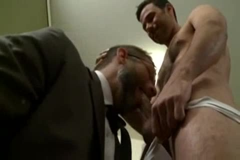 Dirk Caber And Comer Habib