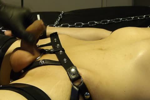lad Comes Proudly With His recent Set Of Shiny Latex Restraints. that chap Doesn't Know Until Late That Their Efficacy Will Be Checked With Painful Electro On The hips. As The Sub Has Not sperm For A Week, that chap is Masturbated Several Times With