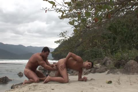 Tanned young man plowed painfully By His Boyfriend's weenie On The Beach