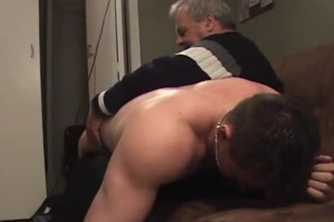 Hunk With Bubble booty acquires A drubbing