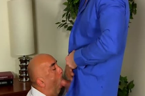 Shay Michaels pounds His Annoying Boss Brian In His anal