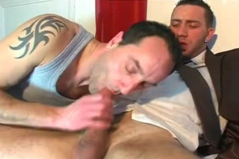 Full video: A innocent Vendor receives Serviced His throbbing weenie By A lad!