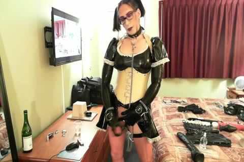 stunning Latex Sissy Maid