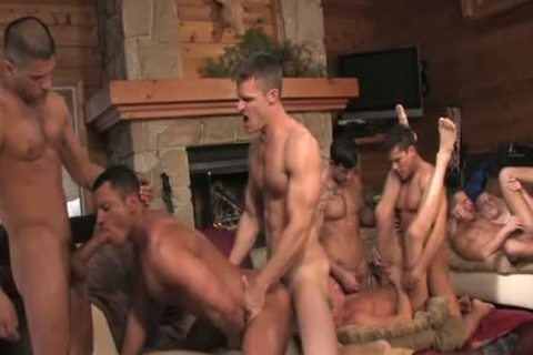 Muscle homo oral sex And cumshot