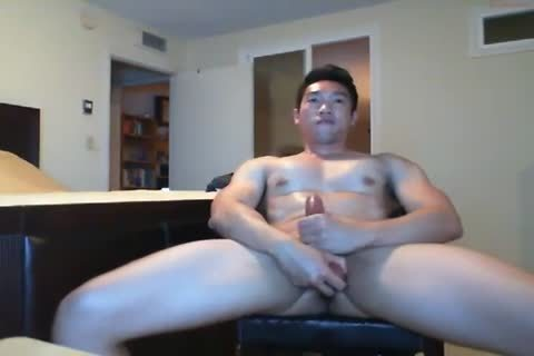 beefy asian lad Beats His dick