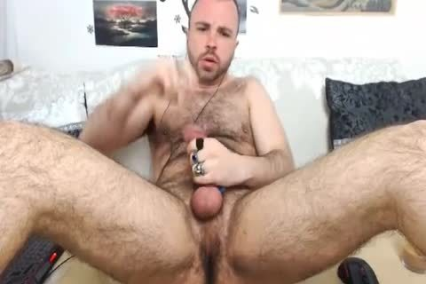 HairySexyStud. My Looks, Humor And Imagination Will Make you wanna Come again.