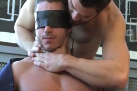 Muscle gay blowjob With cumshot