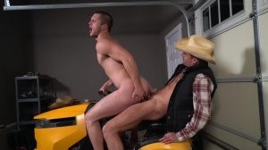 The Ranch Hand - Allen Lucas and Sean Maygers anal Hook up