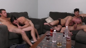dad bunch - Connor Maguire & Ashton McKay anal Hook up