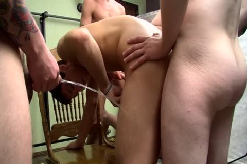 penis-sucker Bryce Corbin Blindfolded And pissed On orgy