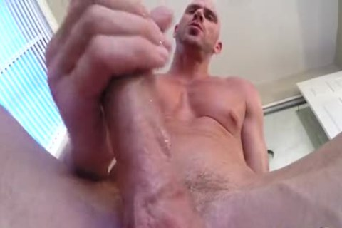 SinsLife - Porn fellow Johnny Sins Jerks Off whilst Working Out