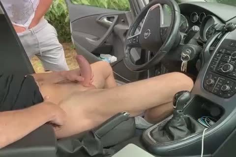 suck And cook jerking In The Car 2