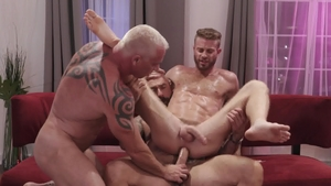 IconMale.com: Link Parker pounded by huge penis Ryan Carter
