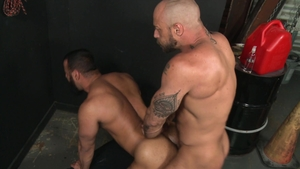 Extra Big Dicks - Jessie Colter impressed by gay Tony Orion